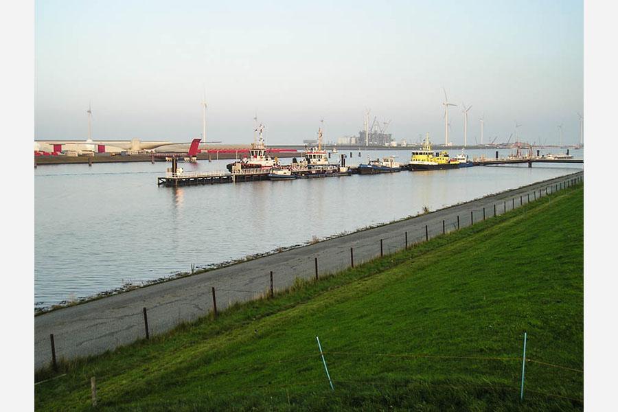 Drijvende steiger Eemshaven